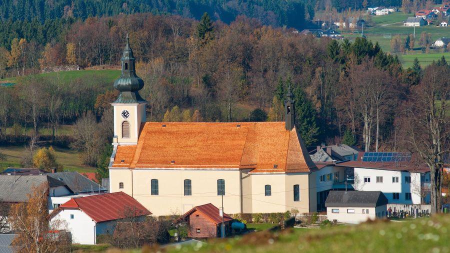 Kirchendach Schindeldeckung