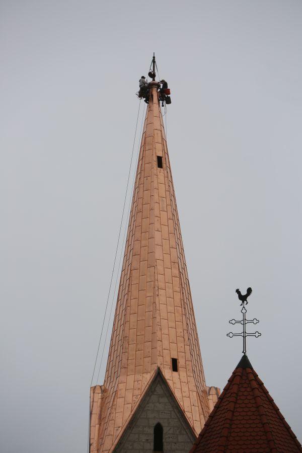 Spitzturm Tafeldeckung