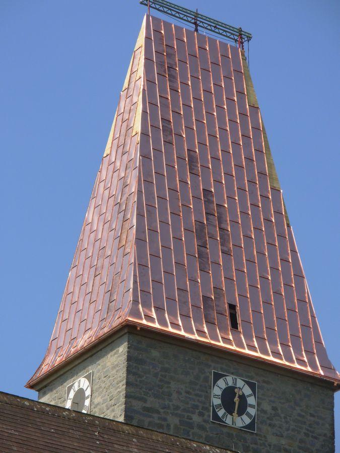 Sattelturmdach mit Tafeldeckung